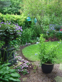 Garden designs with urns